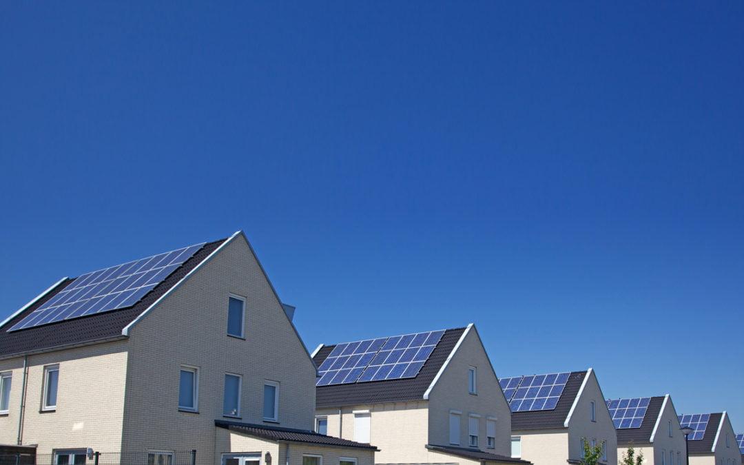 La Confederazione promuove il potenziamento dell'energia solare con un credito di 470 milioni di franchi