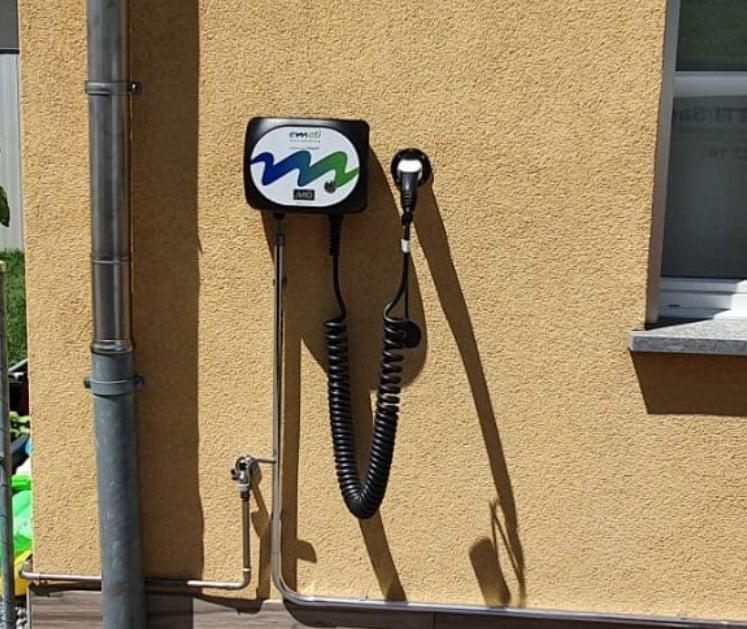 stazione di ricarica per auto elettrica a Bellinzona