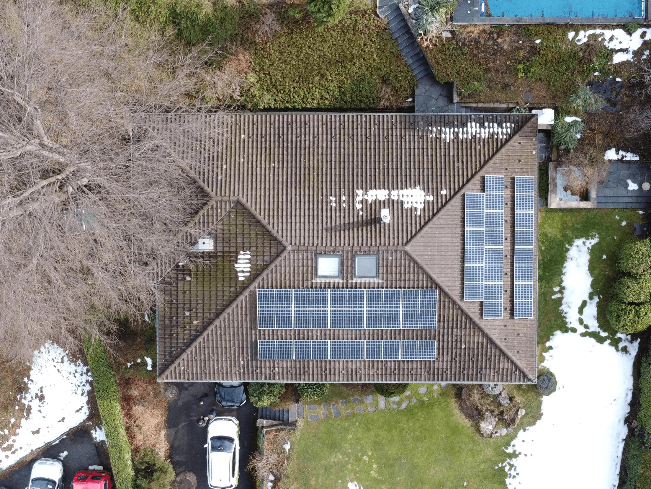 Produzione di energia elettrica e risparmio con impianto solare